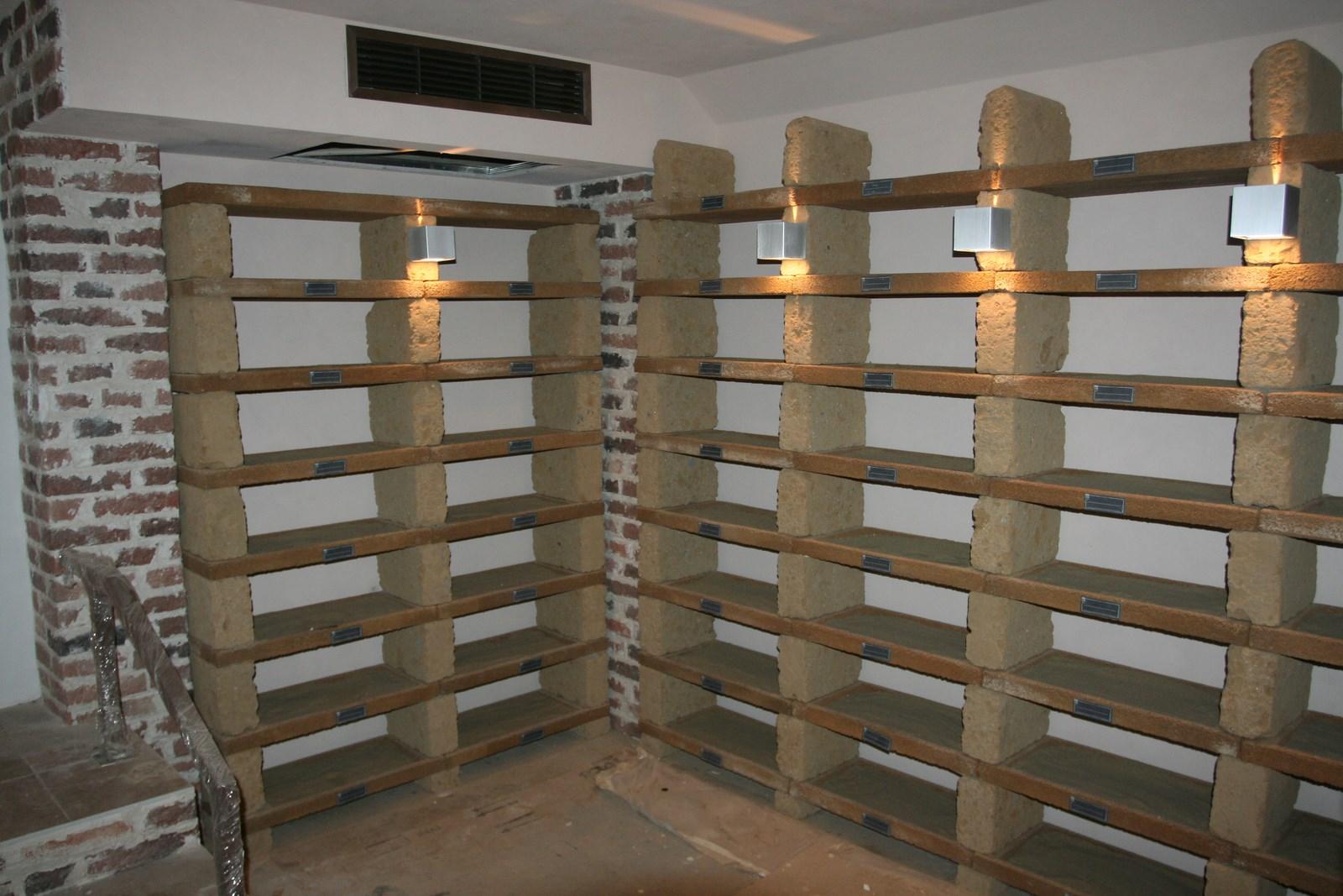 Винный погреб с использованием сплит системы Friax SPC 82